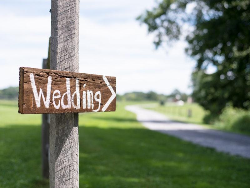 Ketahui Pentingnya Buku Nikah dan Tips Memilih Souvenir